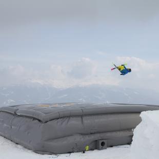Big-Air-Bag jump session