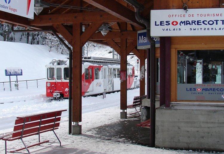 Gare des Marécottes / info point
